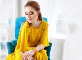 yellow-dress-makeup