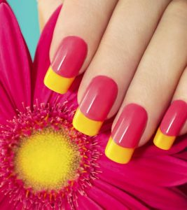 Fail-Proof Tricks For Keeping Your Newly-Painted Nails From Smudging!
