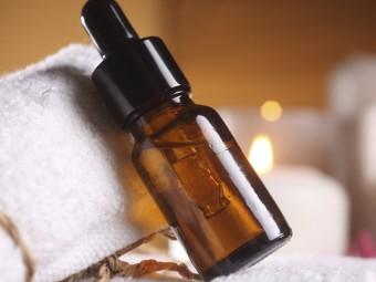 -Peru-Balsam-Essential-Oil