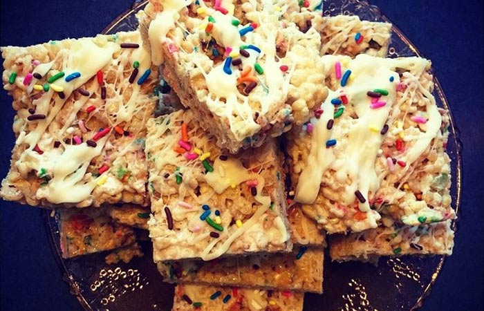 Rice Krispies Bars With White Chocolate And Sprinkles
