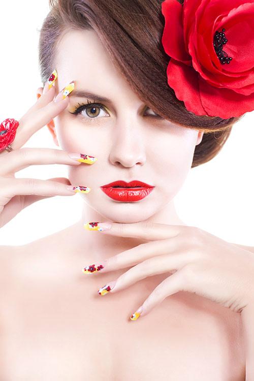 Artistic Splatter Nails Make It Appear Big
