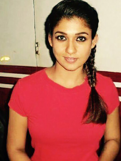 Nayanthara Without Makeup In A Red Tee