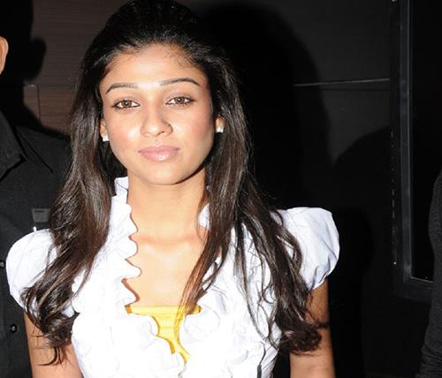 The Girl Next Door Look of Nayanthara Without Makeup