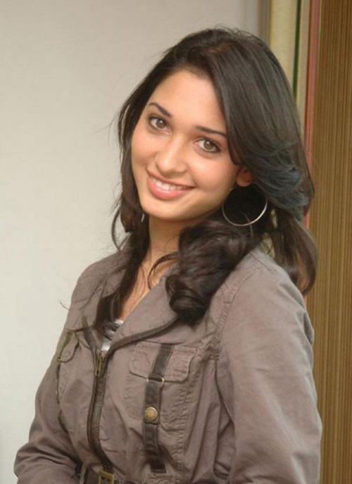Tamanna's Smile Looks So Cute Even Without Makeup
