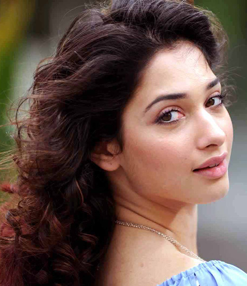 Tamanna Looks Fresh and Gorgeous Even Without Makeup