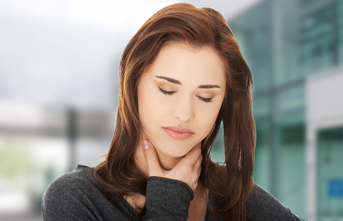 A Sore Throat Is Bad, And Onion Juice Can Help You Soothe Your Throat. This Is How