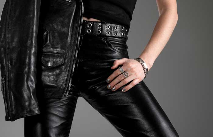 9.-Avoid-Wearing-Very-Tight-Clothes.