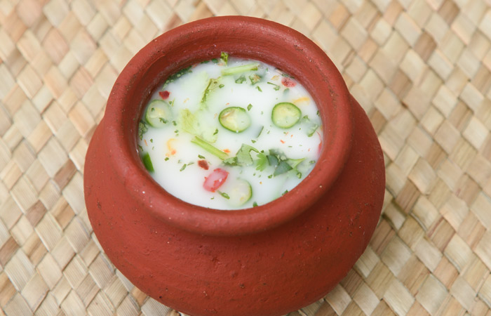 Buttermilk-–-How-To-Make-It-&-Its-TypesAn-Ayurvedic-Perspective2