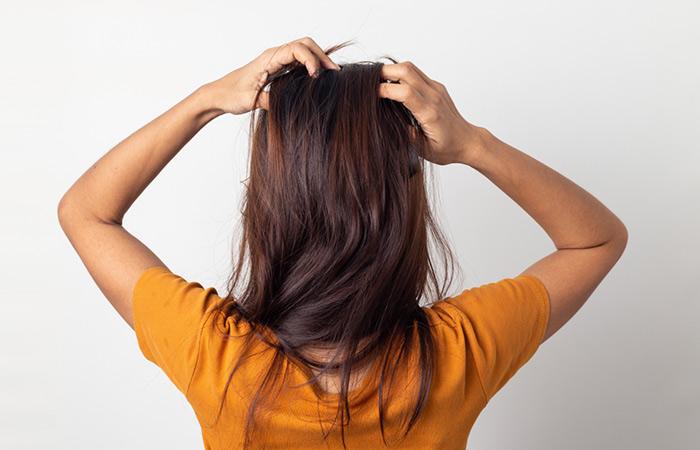 Massaggia il tuo cuoio capelluto