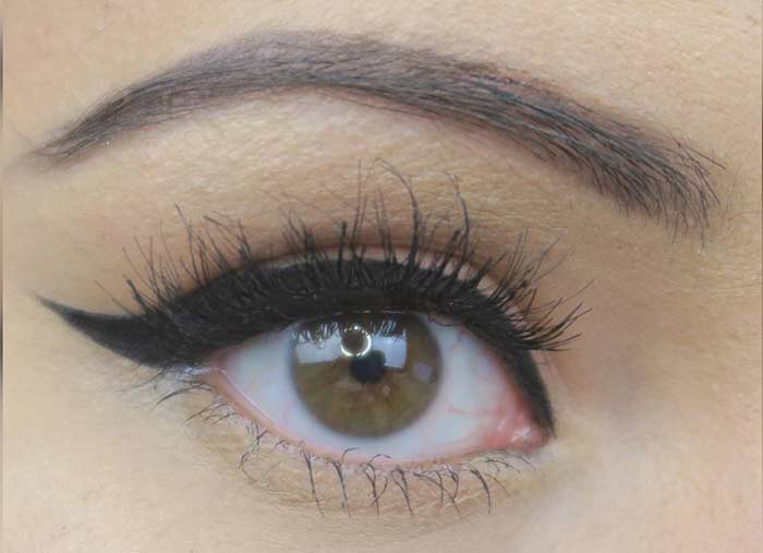 Simple Cat Eye Makeup To Make Your Hazel Eyes Pop