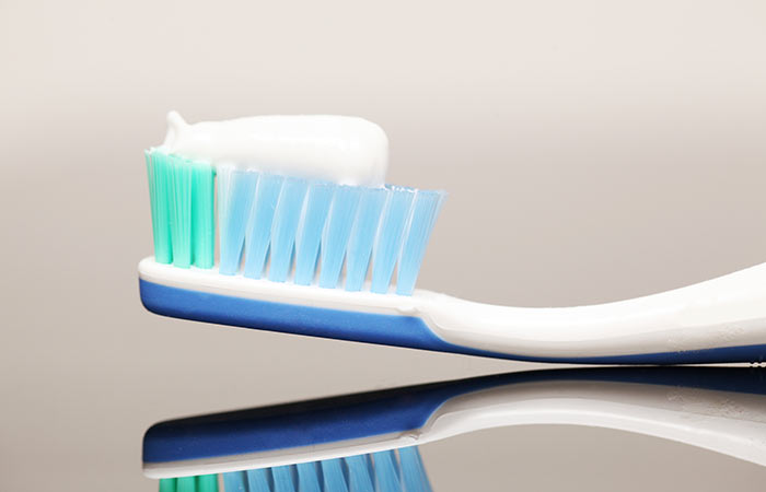 Always-Read-Labels-Before-Buying-Toothpaste-As-This-Ingredient-Can-Cause-Cancer1
