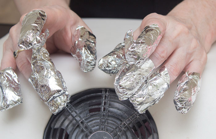 Remove Gel Nail Polish by Foil Method - Step 4: Wrap The Aluminium Foil