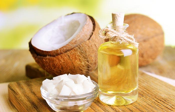 4.-Tea-Tree-Oil-And-Coconut-Oil-For-Hair-Growth