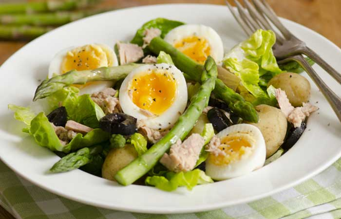 Egg-And-Asparagus-Salad