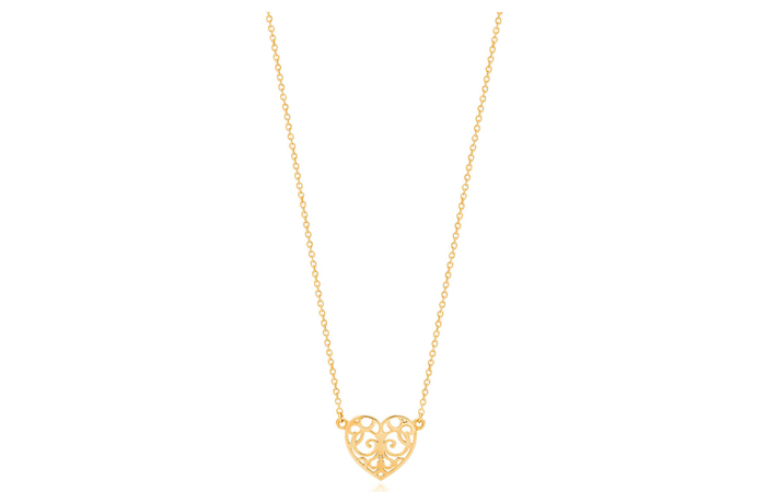 Light Weight Gold Necklace Designs - 1. Heart Pendant