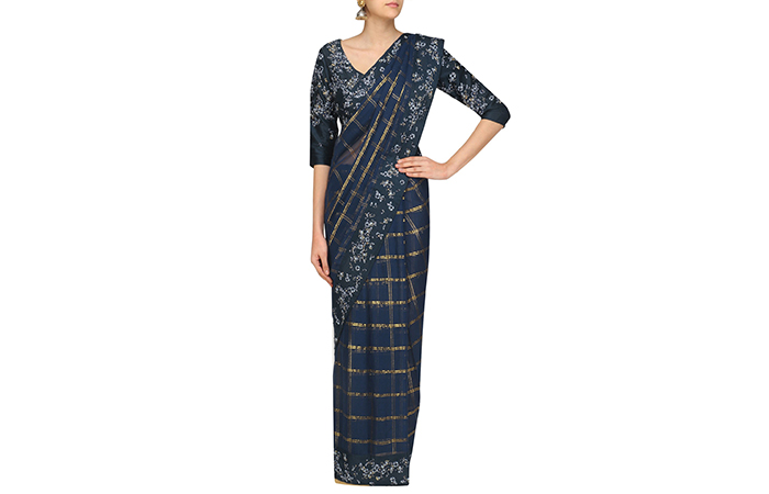 Best Georgette Sarees For Women In India - 1. Navy Blue Checkered Saree In Lurex Georgette