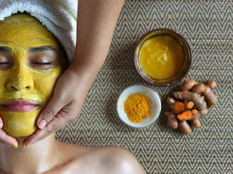 She-Begins-Rubbing-Turmeric-Onto-Her-Cheeks.-When-She-Rubs-It-Off,-The-Results-Are-Unbelievable!