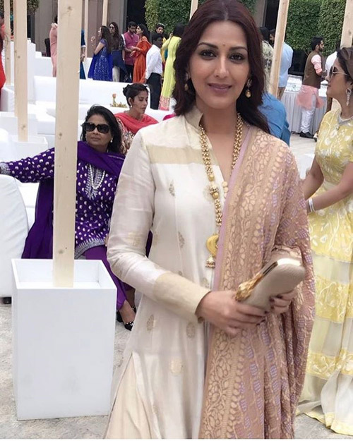 Sonali-Bendre's-Nude-Handloom-Dress