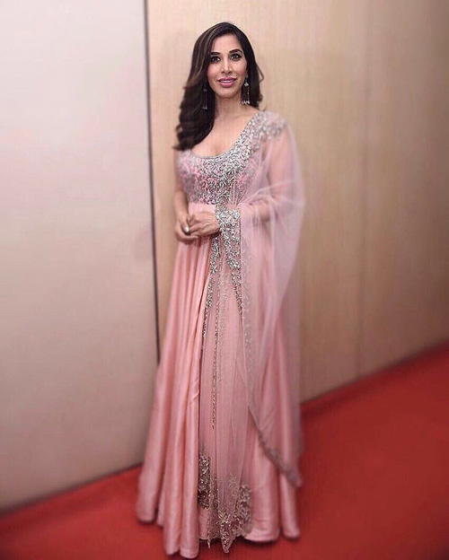 Sophie-Choudhary's-Blush-Pink-Floor-Length