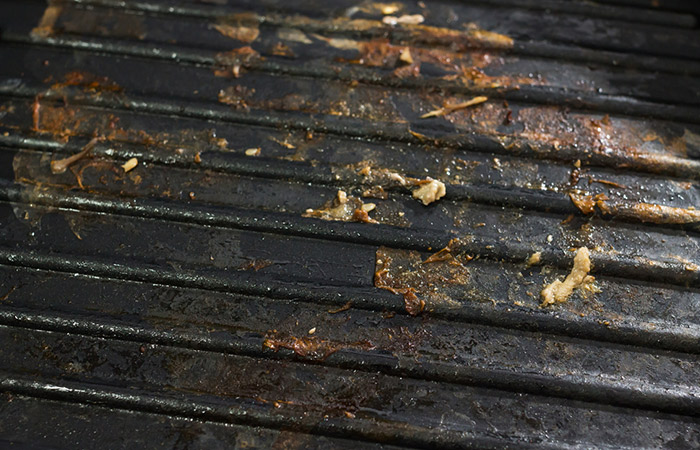 To-Clean-Stubborn-Grill-Stains