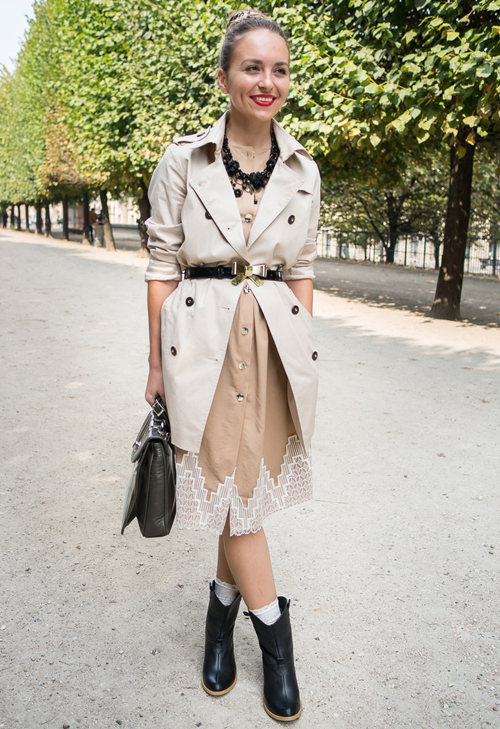 2.-Dress-And-Classic-Trench