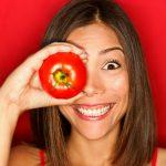4 Amazing Beauty Benefits Of Tomatoes! It Treats Acne Too.