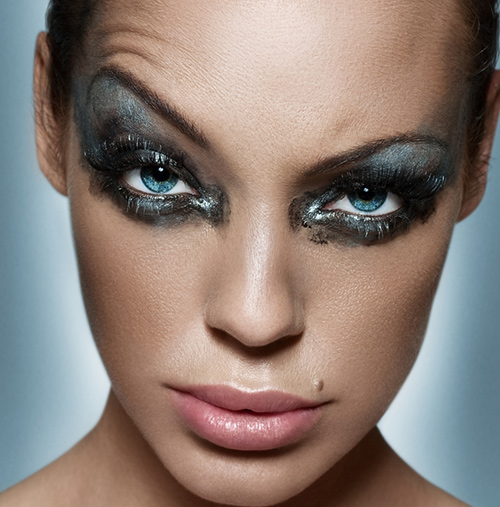 Don't---Go-All-Out-With-Make-Up;-Do---Mellow-Down