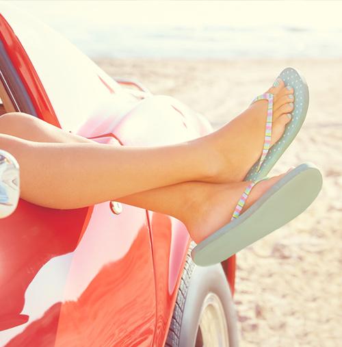 Don't---Wear-Flip-Flops;-Do---Sandals-or-Close-Shoes