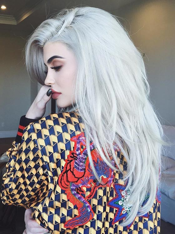Silver-Gray-Layered-Hair