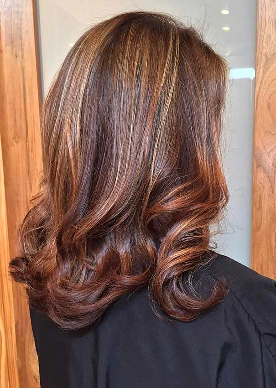 30 breathtaking ideas for styling your caramel highlights