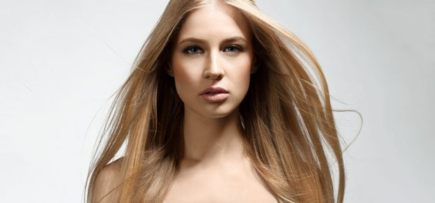 30-Honey-Blonde-Hair-Color-Ideas-You-Can't-Help-Falling-In-Love-With