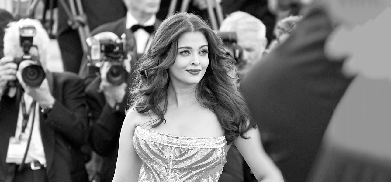 Aishwarya-Rai-Is-The-Most-Beautiful-Woman---20-Outfits-That-Prove-This