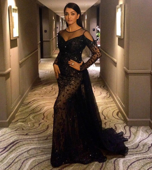 f20a369fb2b Aishwarya Rai Is The Most Beautiful Woman - 20 Outfits That Prove This