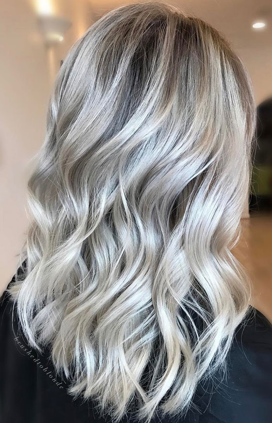 30 ash blonde hair color ideas that youll want to try out right away 18 icy white ash blonde solutioingenieria Image collections