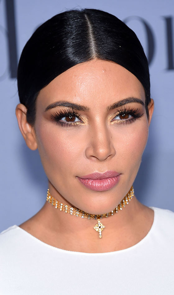 Kim Kardashian With A Gold Choker