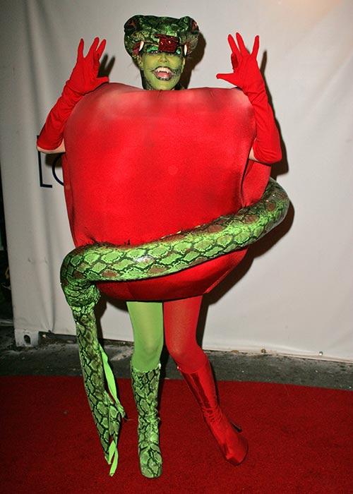 12. 2006 - Heidi Klum As The Adam's Apple From Eden's Garden
