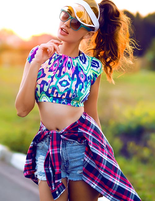 How To Wear A Crop Top - Crop Top With A Flannel Shirt