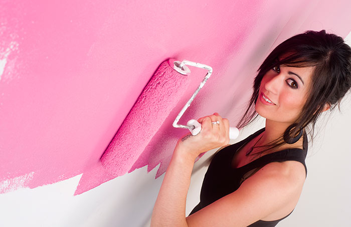 2. Colorize Your Walls And Choose Your Frames