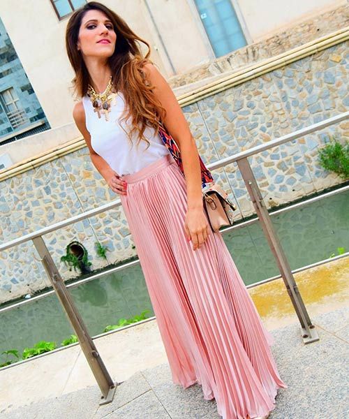 How To Wear A Maxi Skirt - Pastel Pleated Maxi Skirt With A White Tank Top