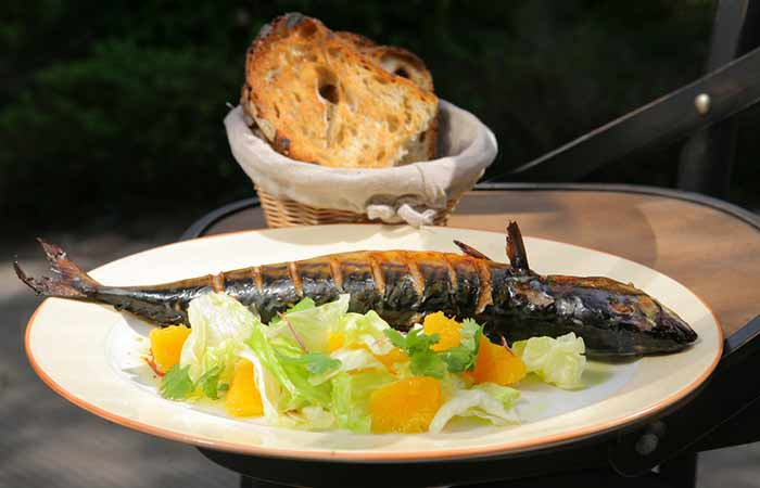 Low GI Diet Recipes - Baked Mackerel With Veggies And Sweet Potato