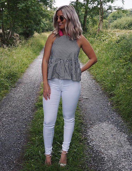 16. White Jeans And Gray Top