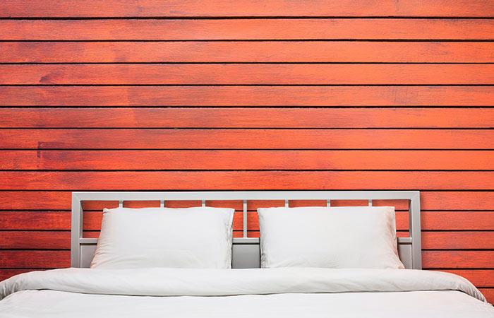 2. Restoring The Whiteness Of Pillowcases