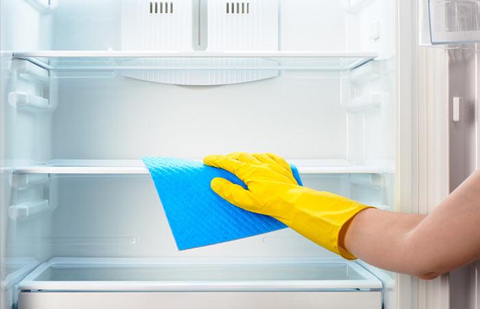 4.-Deodorize-Refrigerator