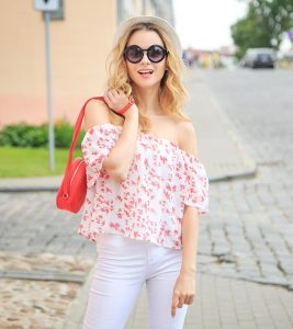 How To Wear Off Shoulder Tops – Tips And Outfit Ideas
