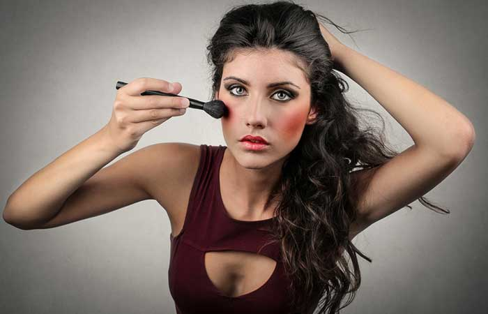 1. Dolling yourself up with too much of makeup