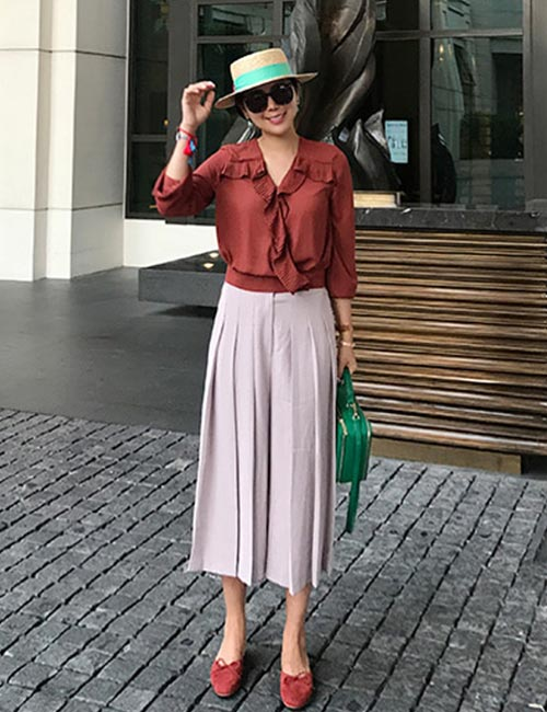 How To Wear Culottes - Pleated Culottes With A Shirt