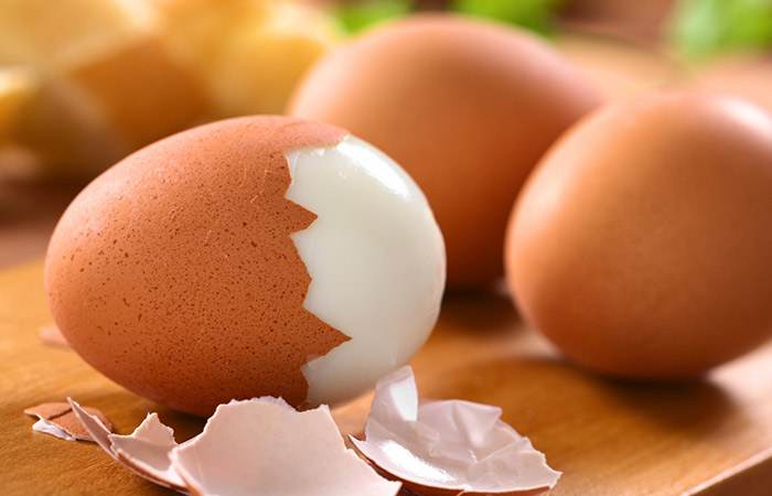 12. Tired Of Painstakingly Peeling The Shells Of Boiled Eggs This Will CHANGE Your LIFE!
