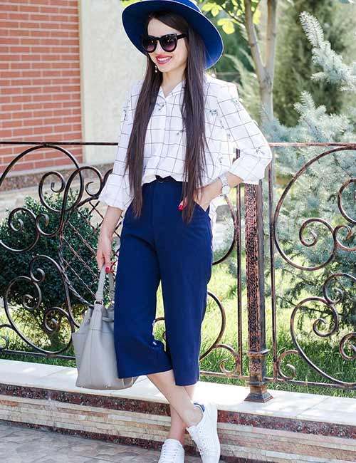 How To Wear Culottes - With A Loose Checkered Shirt, Cap And Sneakers