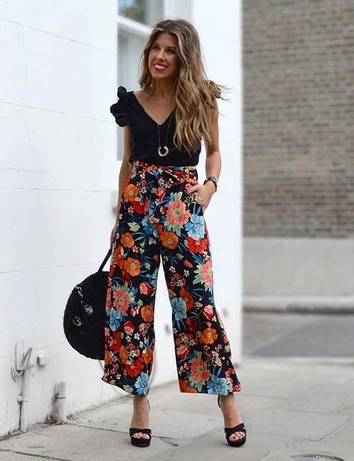 How To Wear Culottes - Floral Culotte Pants With A Plain Black Top