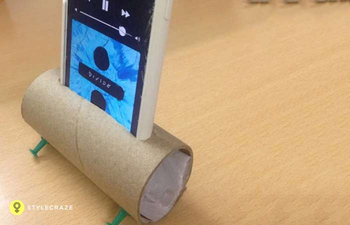 9. Need An iPhone Speaker, But You're Just Too Broke Then, Simply DIY It!